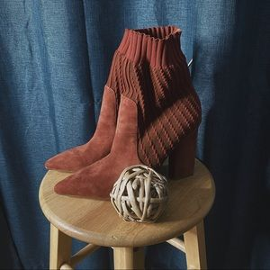 🌻MOVING SALE🌻 Halston Suede Sock Boots